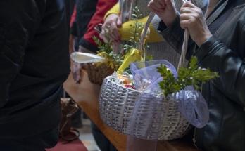 Święcenie pokarmów w naszej parafii w Wielką Sobotę 2019
